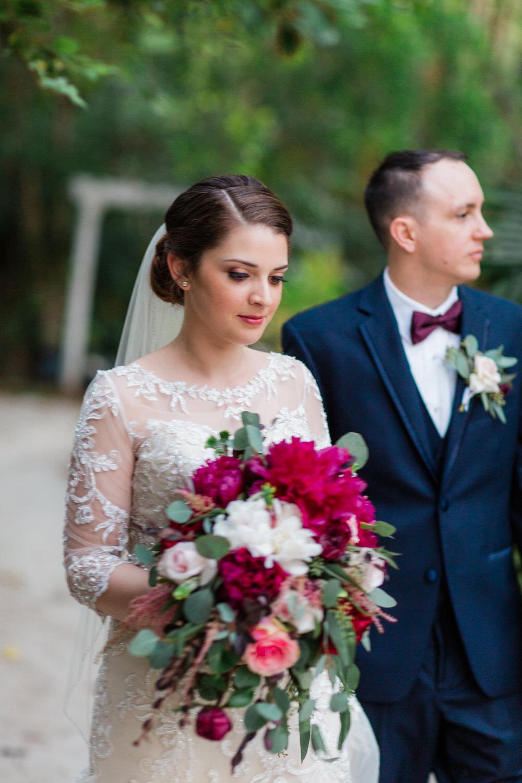 vero beach wedding photos waldos secret gardens