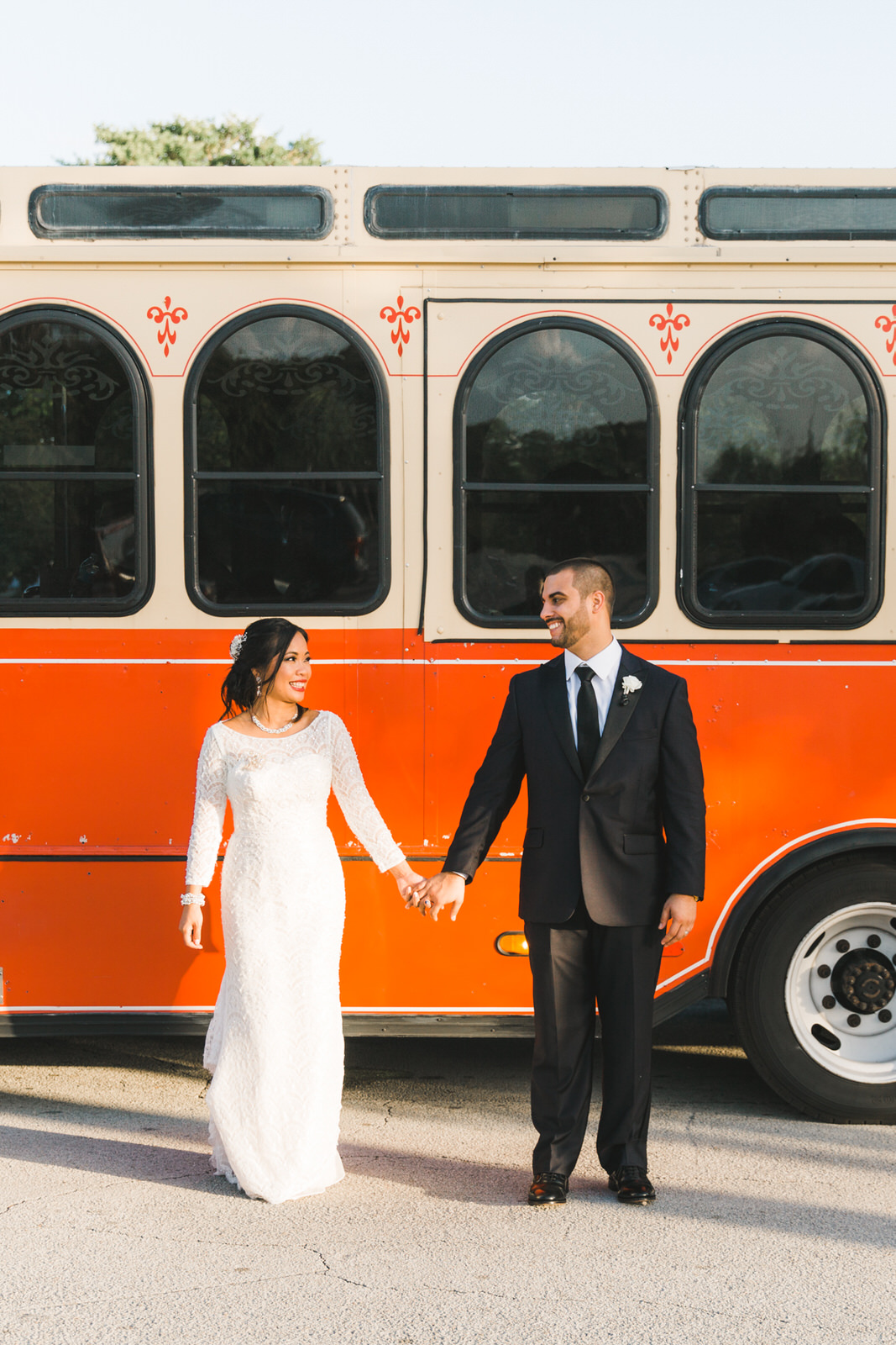 trolly wedding photos