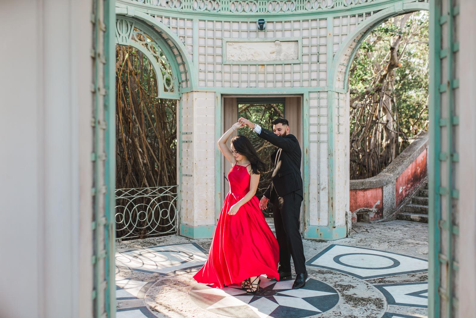 lux engagement photos vizcaya gardens miami